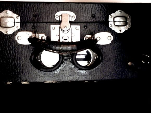 russian aviator goggles to view works